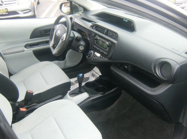 2014 Toyota Prius c Two Los Angeles, CA 6