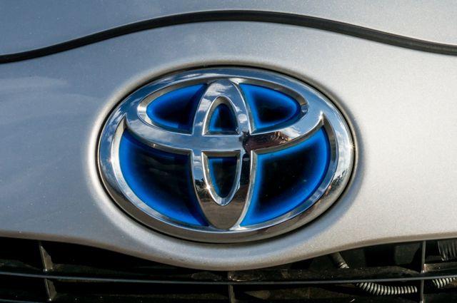 2014 Toyota Prius c One Reseda, CA 47