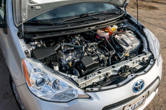 2014 Toyota Prius c One Reseda, CA 37