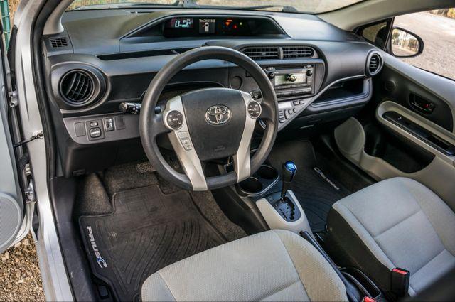 2014 Toyota Prius c One Reseda, CA 15