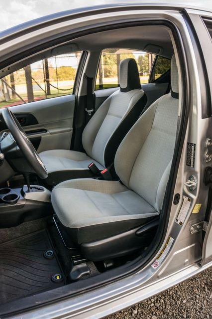 2014 Toyota Prius c One Reseda, CA 27
