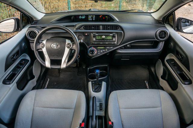 2014 Toyota Prius c One Reseda, CA 18