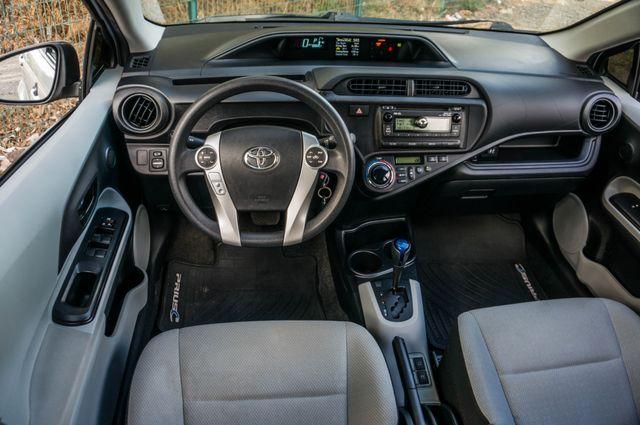 2014 Toyota Prius c One Reseda, CA 19
