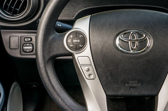 2014 Toyota Prius c One Reseda, CA 20