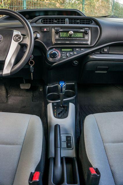 2014 Toyota Prius c One Reseda, CA 23