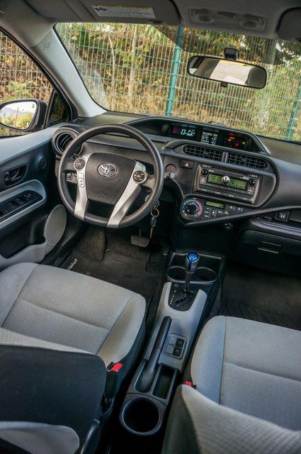 2014 Toyota Prius c One Reseda, CA 34