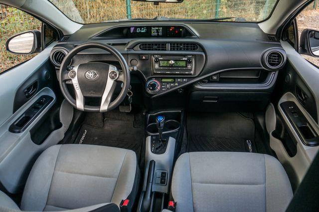2014 Toyota Prius c One Reseda, CA 33