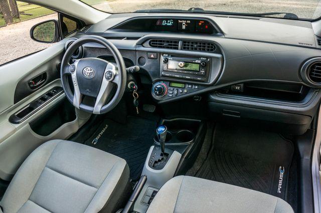 2014 Toyota Prius c One Reseda, CA 32