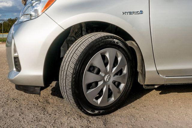 2014 Toyota Prius c One Reseda, CA 12
