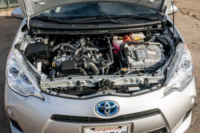 2014 Toyota Prius c One Reseda, CA 36