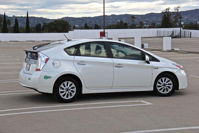 2014 Toyota Prius Plug-In Reseda, CA 12