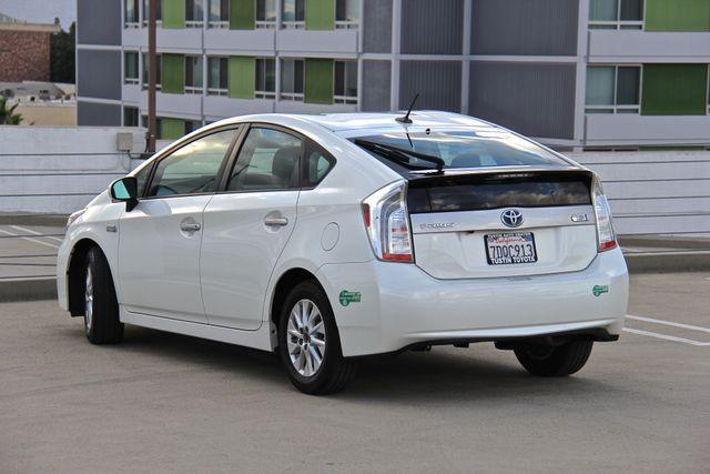 2014 Toyota Prius Plug-In Reseda, CA 8