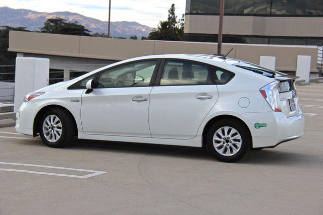 2014 Toyota Prius Plug-In Reseda, CA 16