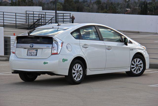 2014 Toyota Prius Plug-In Reseda, CA 17
