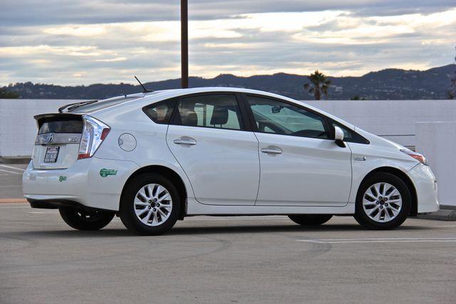 2014 Toyota Prius Plug-In Reseda, CA 4