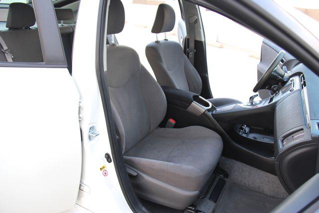 2014 Toyota Prius Plug-In Reseda, CA 30