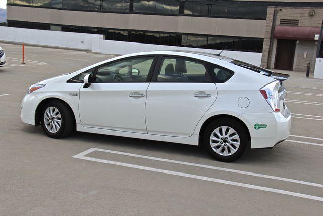 2014 Toyota Prius Plug-In Reseda, CA 14