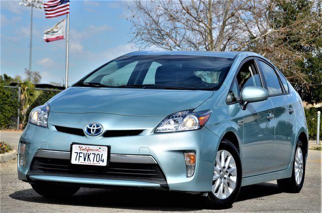 2014 Toyota Prius Plug-In in Reseda, CA, CA 91335