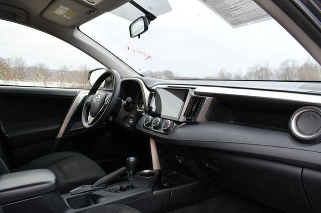 2014 Toyota RAV4 LE Naugatuck, Connecticut 3