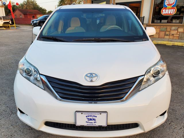 2014 Toyota Sienna LE in Brownsville, TX 78521