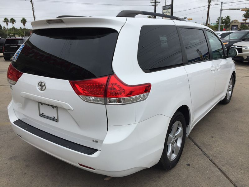 2014 Toyota Sienna LE  Brownsville TX  English Motors  in Brownsville, TX