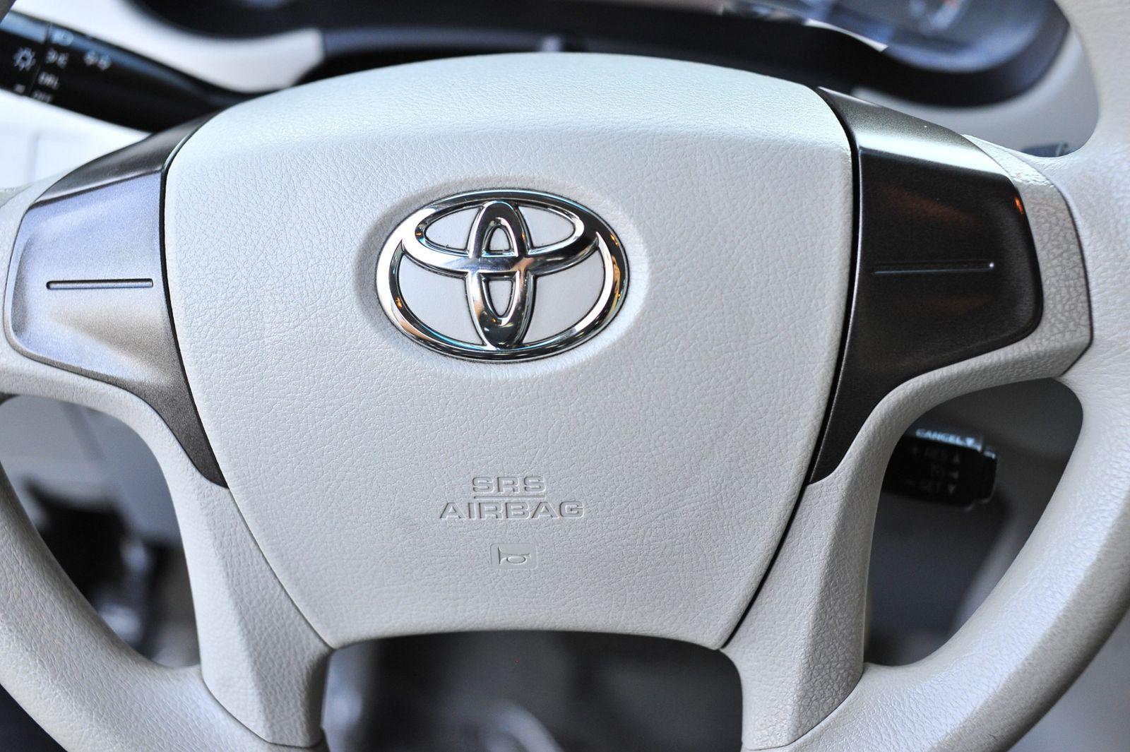 2014 Toyota Sienna L City California Bravos Auto World