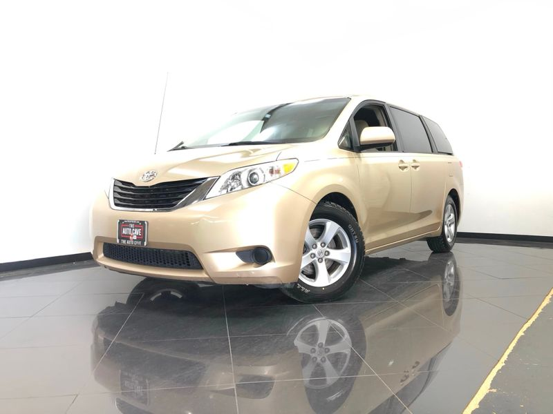 2014 Toyota Sienna *Get APPROVED In Minutes!* | The Auto Cave in Dallas
