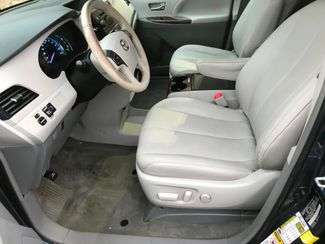 2014 Toyota Sienna XLE Farmington, MN 4