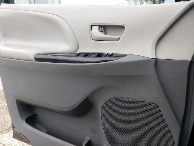 2014 Toyota Sienna L Houston, Mississippi 17