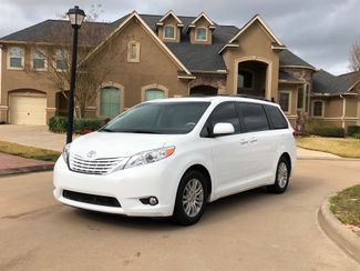 2014 Toyota Sienna XLE DVD Navigation Rear entertainment in Houston, TX 77038