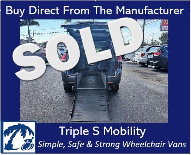 2014 Toyota Sienna Le Wheelchair Van Handicap Ramp Van