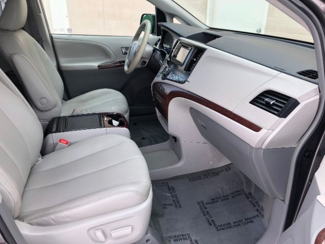 2014 Toyota Sienna XLE FWD 8-Passenger V6 LINDON, UT 23