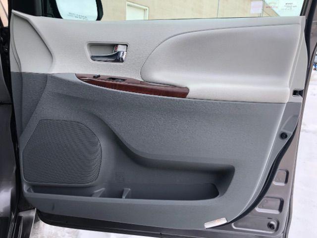 2014 Toyota Sienna XLE FWD 8-Passenger V6 LINDON, UT 26