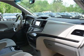 2014 Toyota Sienna LE Naugatuck, Connecticut 8