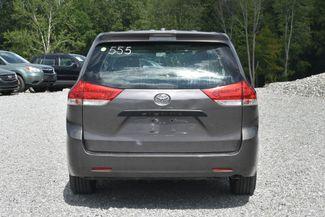 2014 Toyota Sienna Naugatuck, Connecticut 3