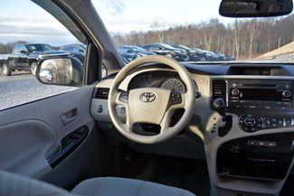 2014 Toyota Sienna LE Naugatuck, Connecticut 14