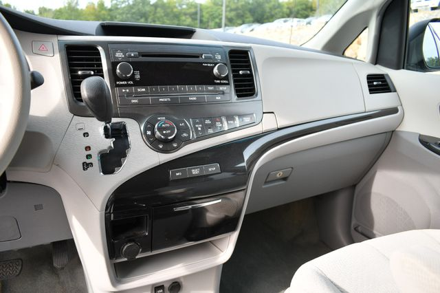 2014 Toyota Sienna LE Naugatuck, Connecticut 21