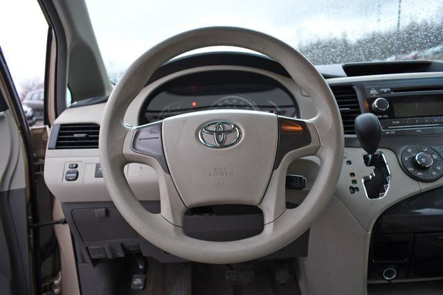2014 Toyota Sienna Naugatuck, Connecticut 16