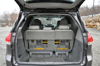 2014 Toyota Sienna XLE AWD Naugatuck, Connecticut 13