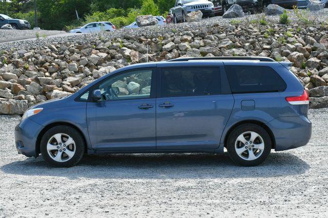 2014 Toyota Sienna LE Naugatuck, Connecticut 3