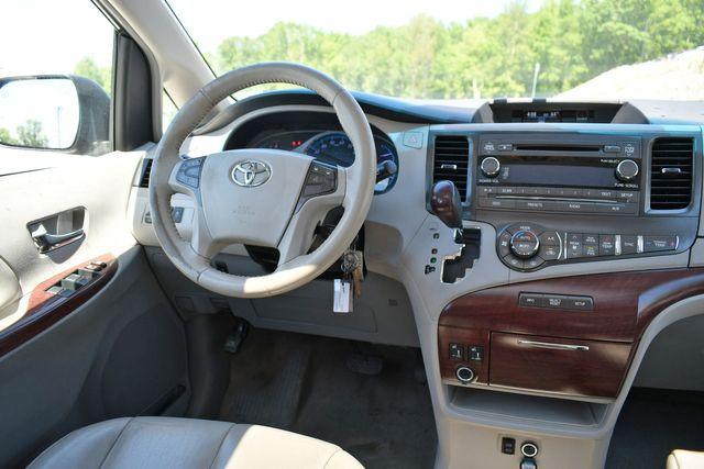2014 Toyota Sienna XLE AWD Naugatuck, Connecticut 17