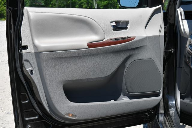 2014 Toyota Sienna XLE AWD Naugatuck, Connecticut 21