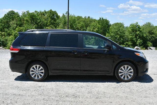2014 Toyota Sienna XLE AWD Naugatuck, Connecticut 7