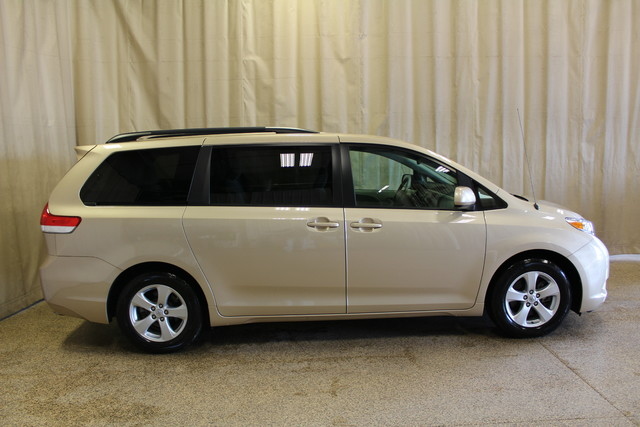 2014 Toyota Sienna Handicap chair in Roscoe IL, 61073