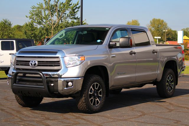 2014 Toyota Tundra SR5 Upgrade CrewMax 4x4 TRD OFF ROAD - LIFTED! Mooresville , NC 23
