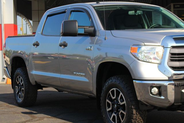 2014 Toyota Tundra SR5 Upgrade CrewMax 4x4 TRD OFF ROAD - LIFTED! Mooresville , NC 26