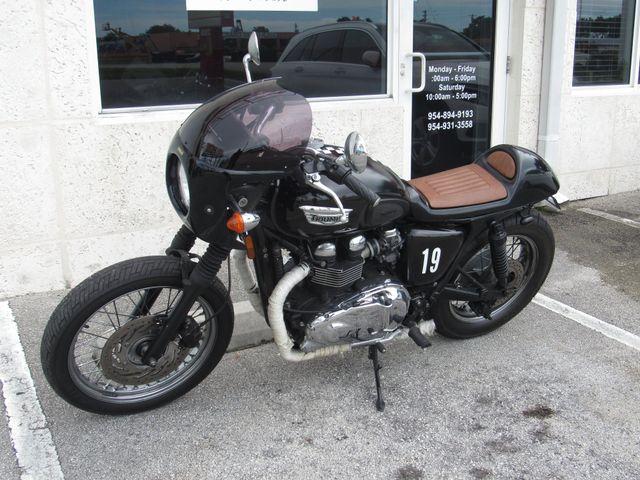 2014 Triumph Bonneville T100 in Dania Beach , Florida 33004