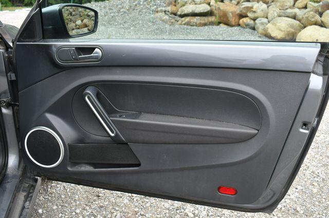 2014 Volkswagen Beetle Coupe 1.8T w/Sun Naugatuck, Connecticut 10