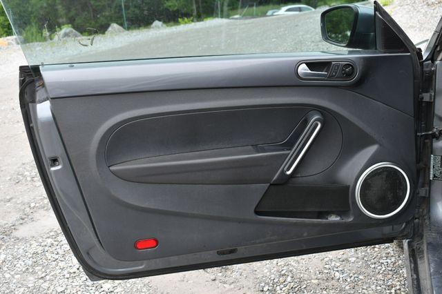 2014 Volkswagen Beetle Coupe 1.8T w/Sun Naugatuck, Connecticut 11