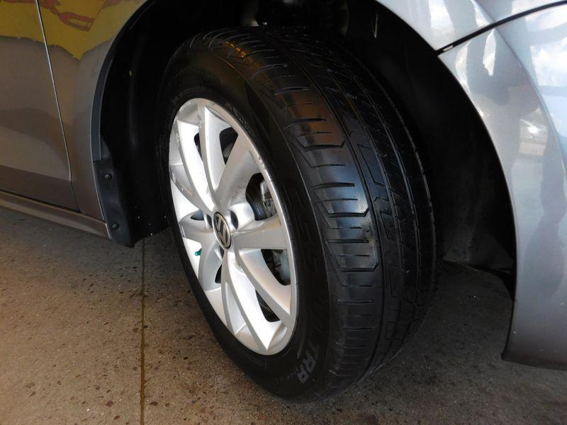 2014 Volkswagen Jetta SE wConnectivitySunroof PZEV  city TN  Doug Justus Auto Center Inc  in Airport Motor Mile ( Metro Knoxville ), TN